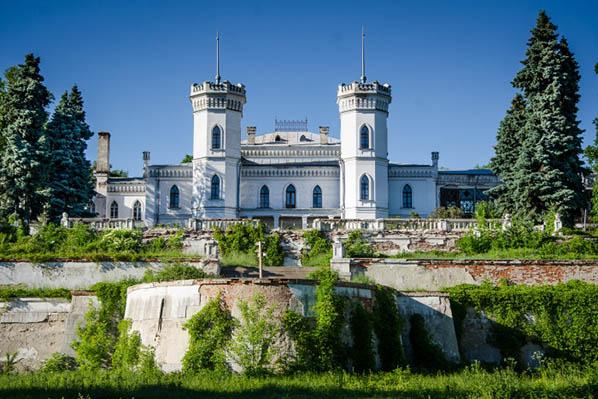 шаровский замок доступен для экскурсий