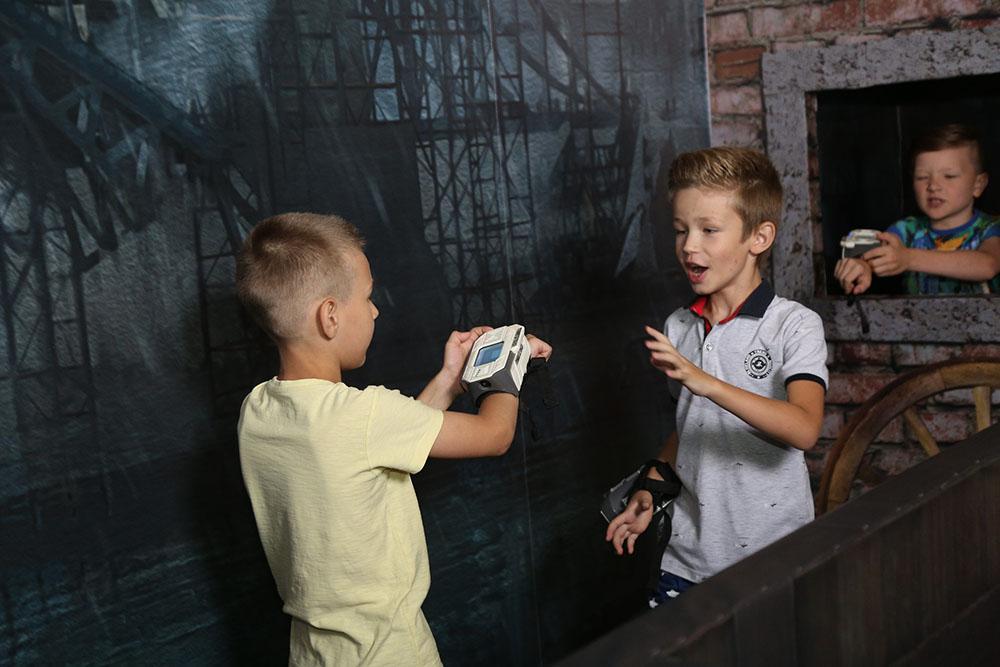 діти грають в фриз харків